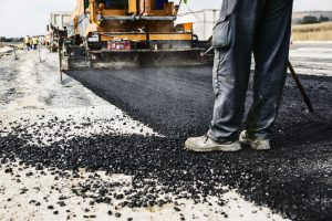 sealcoating vs. asphalt paving